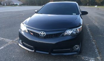 2014 TOYOTA CAMRY SE ON 20's full